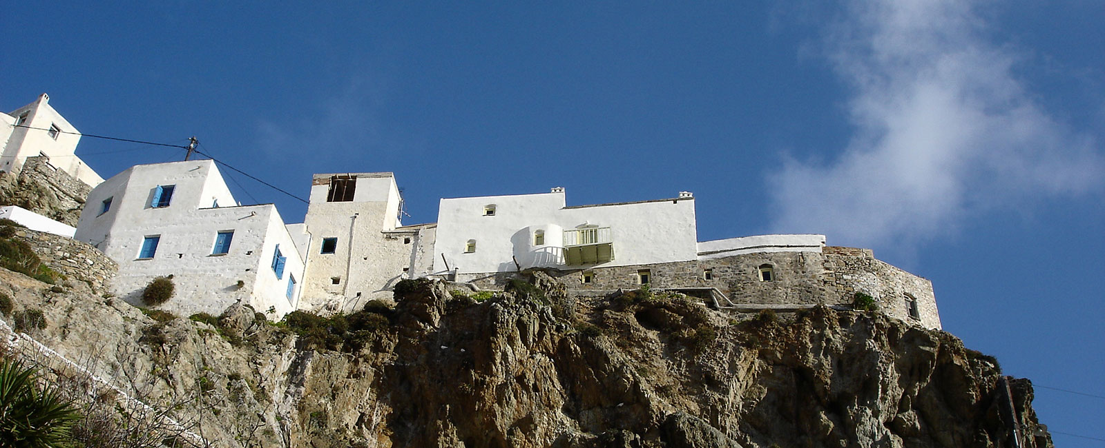 Accommodation by the sea in Serifos